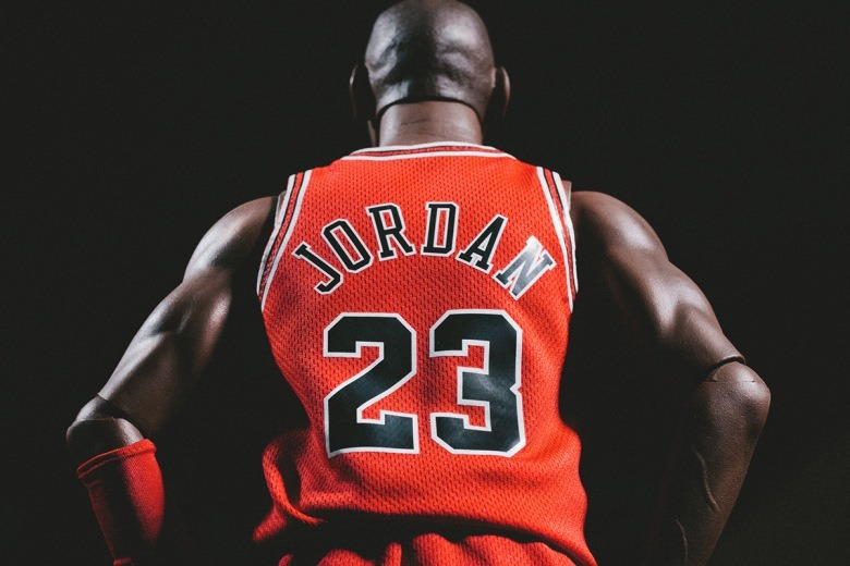 enterbay-hd-masterpiece-1-4th-scale-michael-jordan-action-figure-1.jpg