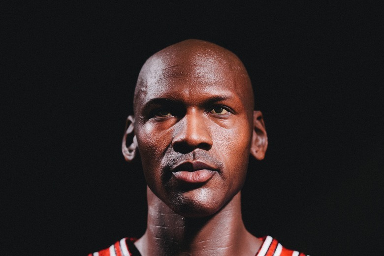 enterbay-hd-masterpiece-1-4th-scale-michael-jordan-action-figure-4.jpg