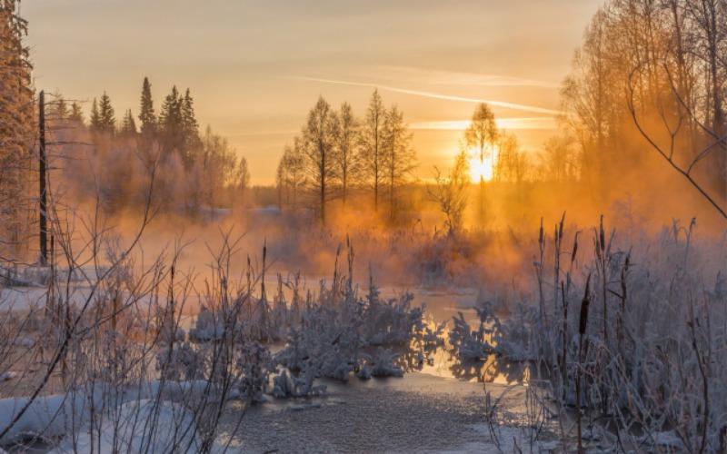 Winter-sunset-evening-river-frost-snow_2560x1600.jpg