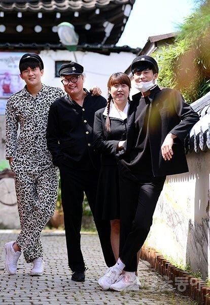 김민재 가족사진.jpg